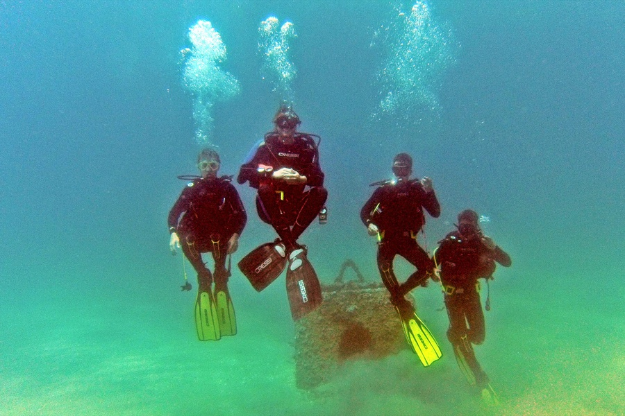 OdySea cool Open Water Diver students