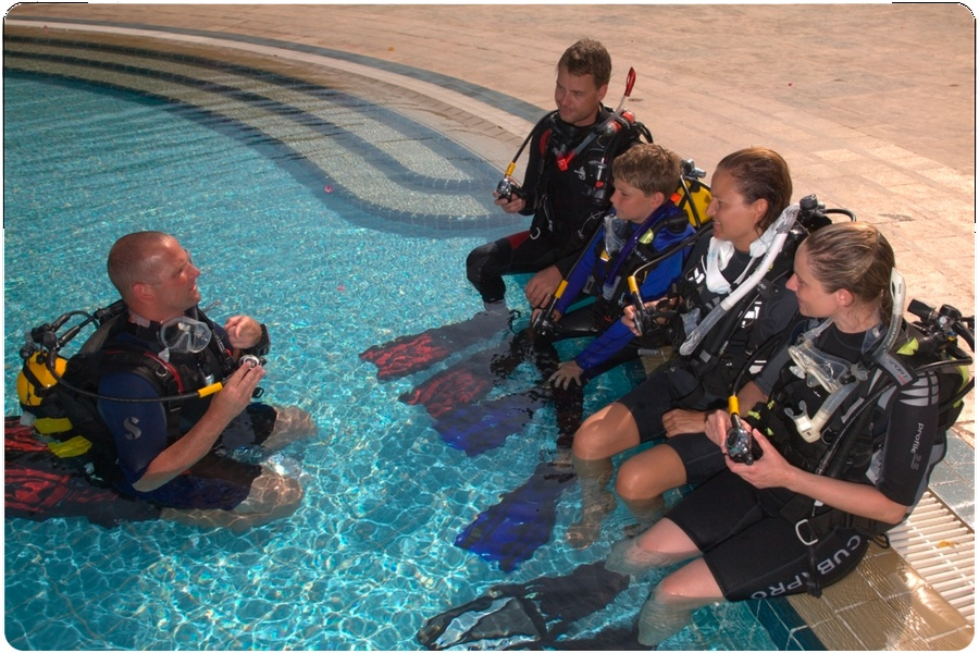 Try SCUBA teaching Torredembarra pool