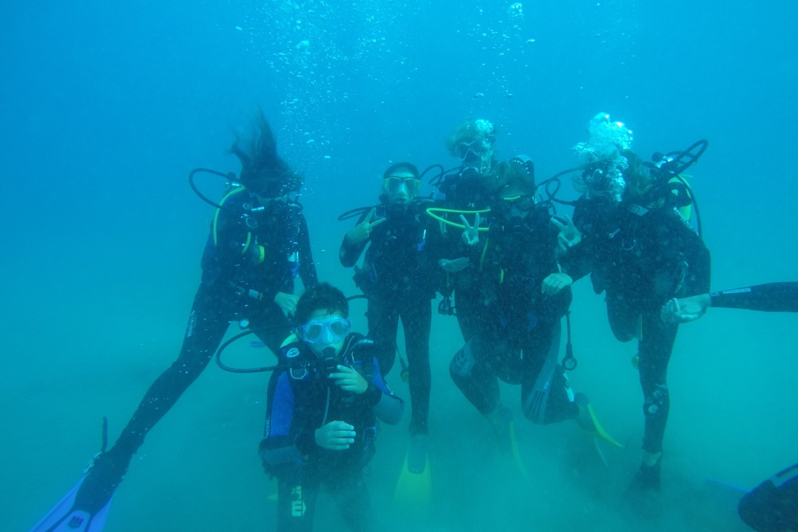 Under water group fun at OdySea